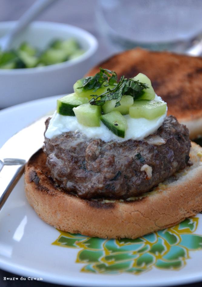 Burger mozzarella menthe concombre