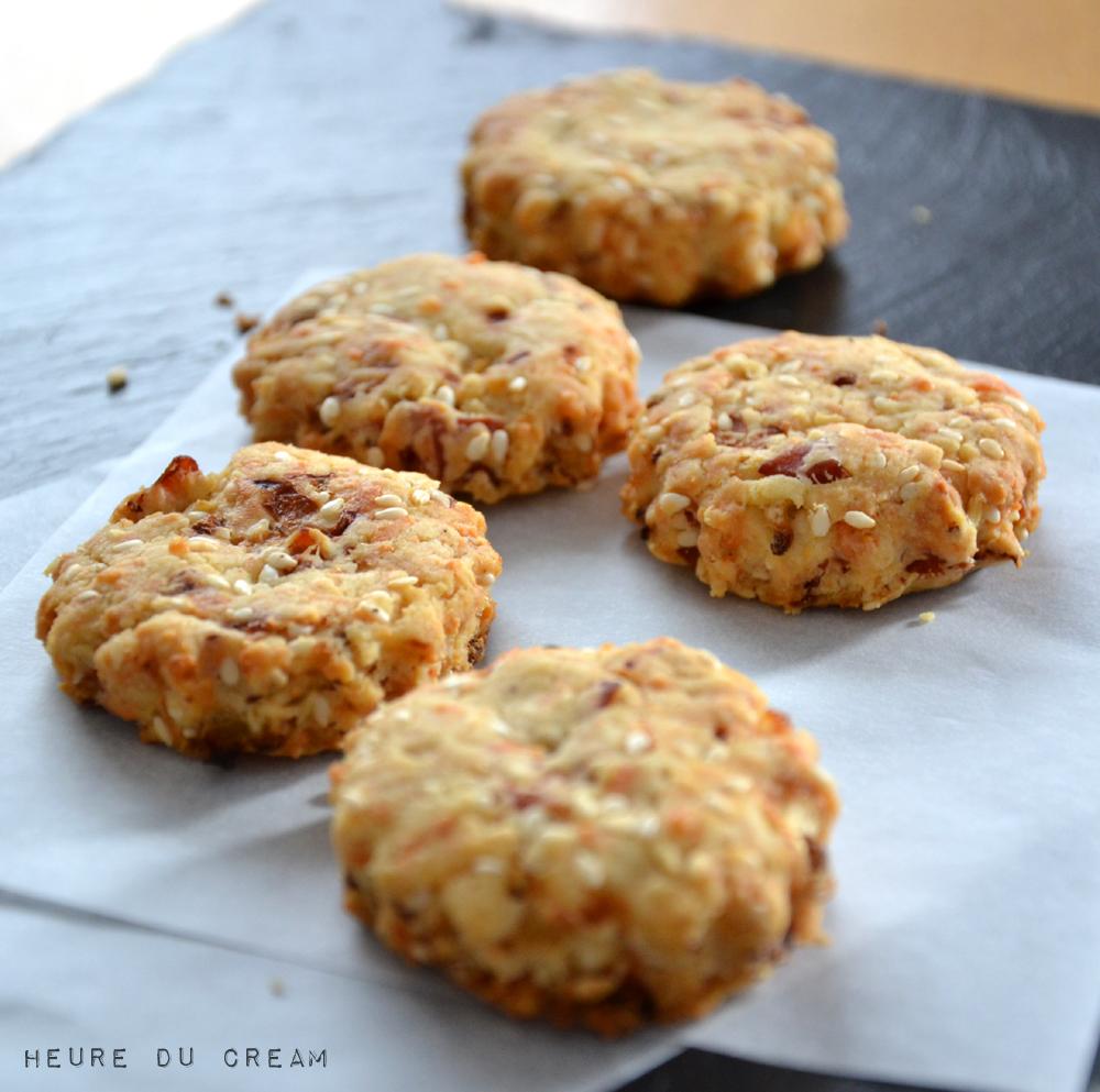 cookies oignons sésame jambon sec