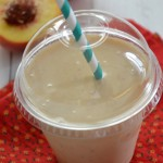Smoothie pêches lait d'amandes